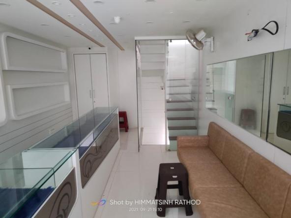 Showroom for Lease in Gundavadi